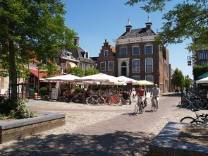 Viva la Frisia: 5-day Historical City Tour by e-bike including services